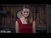 Молодая девушка красиво ласкает себя на видеокамеру