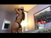 Порно видео мастурбация на улеце при всех