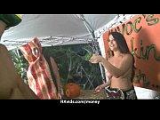 Видео жена трахаеца с другом пока муж рядом спит
