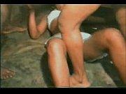 голая девчонка на море