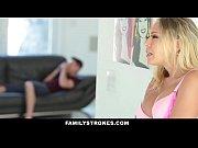 секс сын нездержался перед мамойв спальне