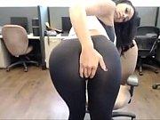 hot latina in yoga pants -.