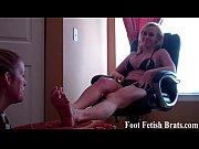 bella and rachel sucking toes in.