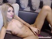 Оргазм от мастурбации секс машиной
