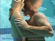 видео как целуются и раздеваются