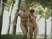 Порно голые девки долбятся в очко