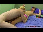 Просмотр порно ролики молодой парень трахает свою подругу в общаге