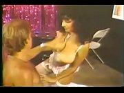 Секс видео ремонтник и домохозяйка