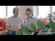 мамина подружка практикует анал с парнем видео