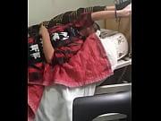 Adolescentes son grabados jugando en la cama del hospital sexualmente