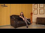 Sklave reinige die High Heels von Domina Lady Julina Femdom Keuschhaltung