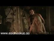 Порно увидел голую спящую мать