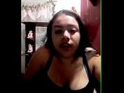 Yuneidy Flores  le habla a su amiga lesbiana