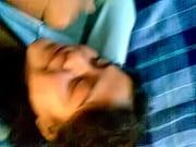 Секс молодой парень делает гунегулис пожелой женщине