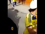 colombiana celebrendo triunfo de su seleccion