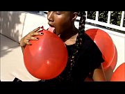 Queen Jasmine plays with balloons outside!