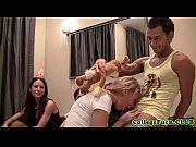 смотреть порно как мать учит лизать дочь