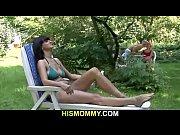 девушке в сауне видео
