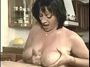gif grosse ejac sur les gros seins d&#039_elodie.