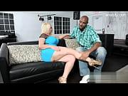 порно видео женщины грудь 6размер любят молодых
