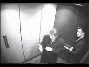 petite pipe dans l&#039_ascenseur