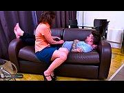 смотреть порно молодых лесбиянок со страпоном