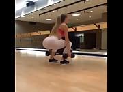 dancing bear порно онлайн в бассейне