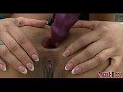 баба сосет под столом онлайн