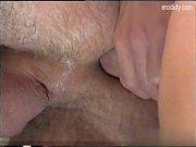 Порнозвезда ползет на коленях по лестнице порно видео