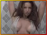 шлюха дрочит порно видео