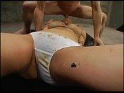 Порно длинноногая блондинка с большой грудью мастурбирует