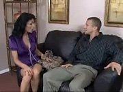 Порно девушка связанного парня заставила лизать