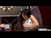 голая девушка в сарафане видео