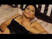 Женские трусы на голове мужиков видео