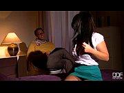 Порно две девки сосут у лошоди