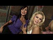 блондинка в леггинсах порно видео