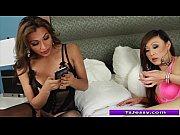 shemales jessy dubai and venus lux sucking each.