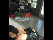 порно видео зрелой брюнетки с большой жопой