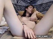 порно конь трахнул девушку