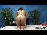 девушки в спальне голые