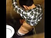 Пьяную в хлам трахают во все дырки