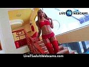 izadora ribeiro shows us her curves.