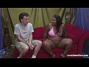 огромная молодая грудь видео