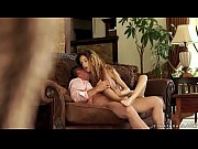 Порно видео исполняет все прихоти дамочки
