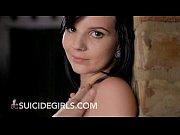 Порно девушки раздеваются в рубашках видео