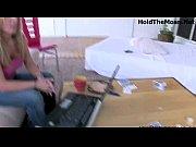 девок трахают раком видео смотреть