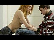 Порно первый раз парень делает девушки кунилингус