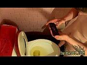 Фото дамы сосут молоко с сисек