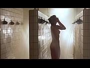 Красивое женское тело в купальникефото