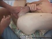 Видео голая зрелая женщина мастурбирует анал